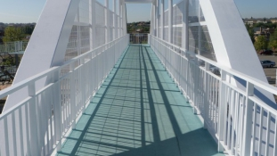 Pedestrian bridge over Danube to connect NW Hungary, SW Slovakia