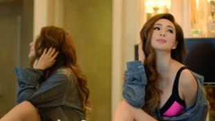 A kor csak egy szám: 50 éves kínai modell robbantotta fel a netet