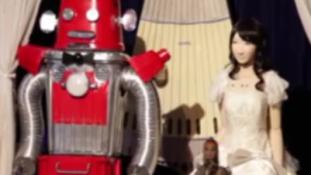 Mesterséges igen – robotok házasodtak össze Japánban