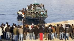 Plakátháború a bevándorlók ellen egy olasz kisvárosban