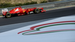 Formula One attracts 186,000