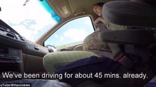 Robogó autóban szülte meg kisfiát egy amerikai nő (videóval)
