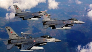 Az Iszlám Állam mellett a kurdokat is támadja a török hadsereg