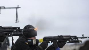 Ukrán válság – Kijev szerint egy nap alatt több mint százszor lőttek a szakadárok