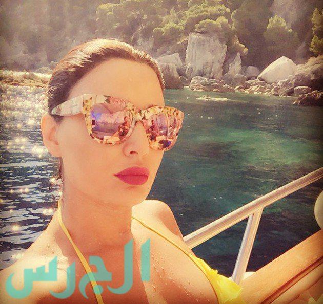 Cyrine Abdelnour énekes, színész és modell, Libanon.