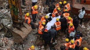 Áradás Indiában: 56 ezer ház omlott össze
