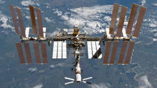 Továbbra is az oroszokkal repűlnek az űrbe az amerikaiak