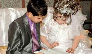 Képek egy 14 éves fiú és egy 10 éves lány esküvőjéről