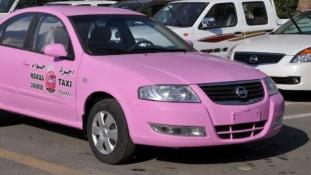 Pink taxi, csak nőknek