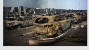 Apokaliptikus képek a robbanás utáni Tiencsinből