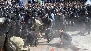 A kijevi összecsapás után kilépett a Radikális Párt a kormánykoalícióból