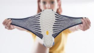 Hagyományos és modern: furoshiki cipő