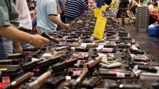 """A """"muszlim"""" kóddal 25 dollárral olcsóbban juthat fegyverhez"""