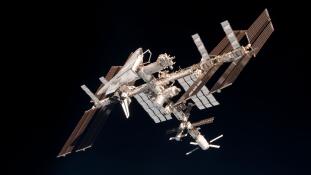 Felemelik az űrállomást