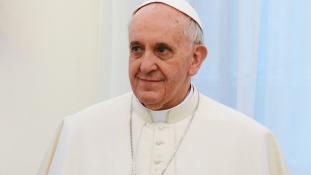 Elzárták a hajléktalanokat, hogy a pápa ne lássa