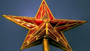 Miért szerelték le a Kreml vörös csillagait?