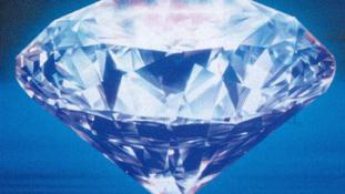 Lopott gyémántot operáltak ki egy kínai nőből