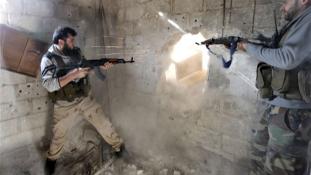 Az al-Kaidának adott át katonai eszközöket egy amerikaiak által kiképzett parancsnok
