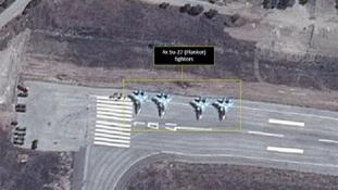 Műholdfelvételen az orosz harci gépek Szíriában