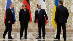 Feloldaná a szankciókat Hollande?