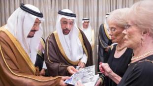 Miért randevúzik egy amerikai ikerpár szaúdi uralkodókkal?