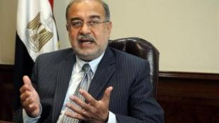 Kenőpénz, emelkedő benzinár, népszerűségvesztés – mi áll a kairói lemondás mögött?