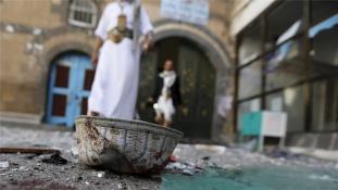 Öngyilkos merénylettel kezdődött az ünnep Jemenben