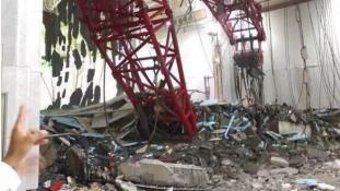 A Nagymecsetre dőlt egy daru Mekkában – 65 halott