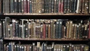 Rohamrendőrök kutatták át a moszkvai ukrán könyvtárat
