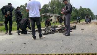 Bombatámadás katonák ellen Thaiföldön