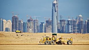 Nem aggódnak az olcsó olaj miatt Dubajban
