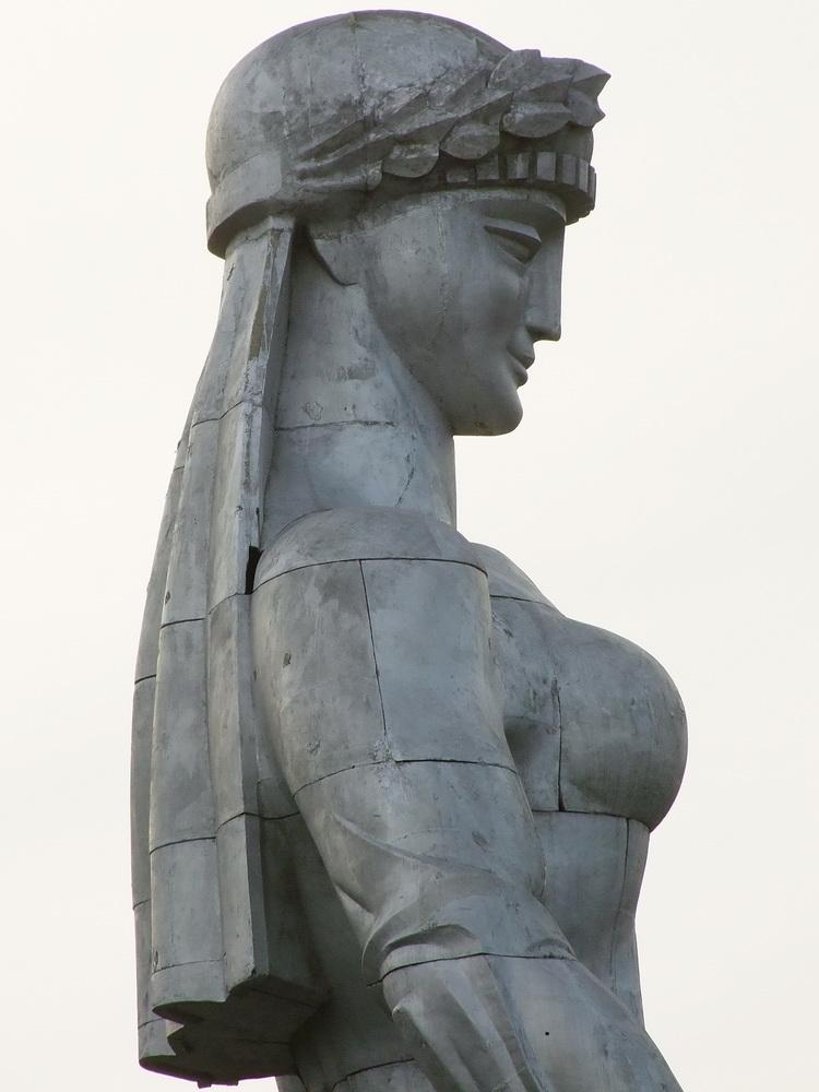 a Grúzok anya szobor
