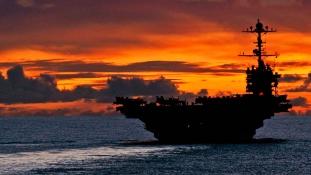 Peruba érkezik a USS George Washington nukleáris repülőgép-hordozó
