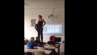 Vetkőzött a tanár – örült az osztály