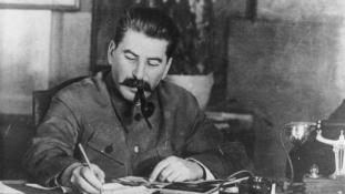 Megverték egy Sztálin-portré miatt