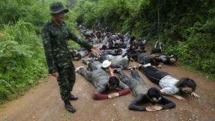 Katonai táborral büntetik a rossz diákokat Thaiföldön