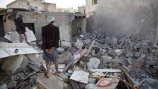 Ne temessetek el – könyörög a bombától haldokló kis kölyök