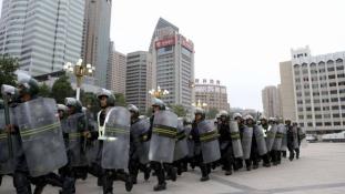 Nőket és gyerekeket is megöltek Kínában