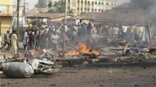 Öngyilkos merénylőlányok robbantottak a piacon