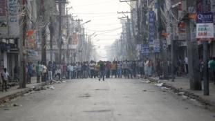 Tüntetőket lőttek le Nepálban
