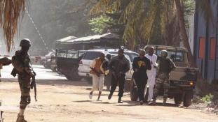 Hat orosz halt meg Bamakóban