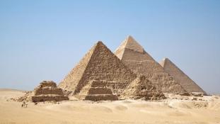 Mire jók a piramisok? – Az amerikai elnökjelölt megdöbbentő válasza