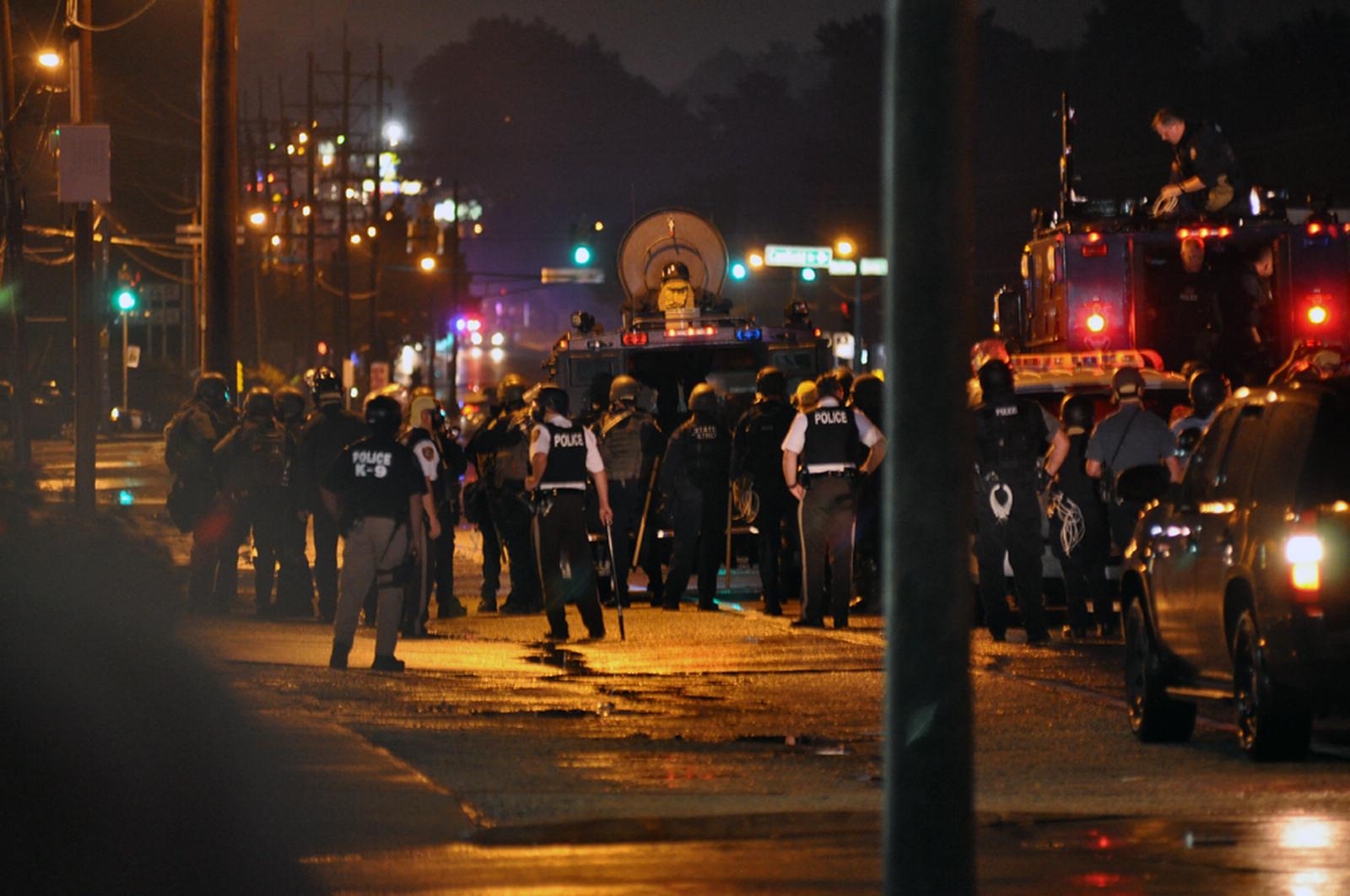 Zavargások Fergusonban 2014 augusztusában (Kép: Wikipedia)