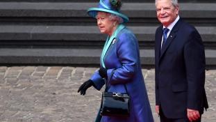 Te is megnézheted II. Erzsébet ruhatárát