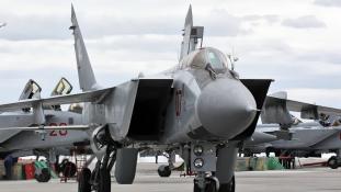 Felturbózott MIG-31-es vadászgépeket állítottak hadrendbe az oroszok (videóval)
