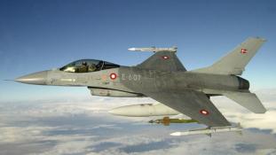 Visszaküldik a dán F-16-osokat