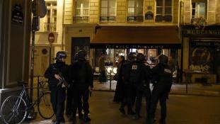 Több mint ezer házkutatást végeztek Franciaországban