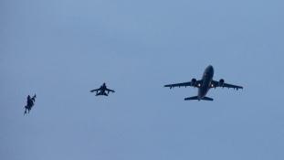 Utántöltő géppel kapcsolódtak be a németek a szíriai légicsapásokba