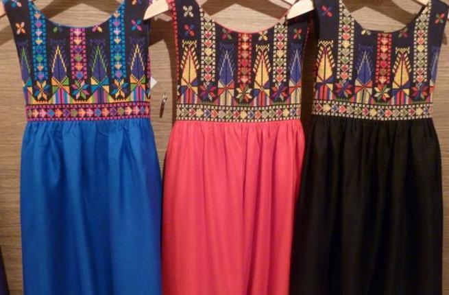 Atfaluna_crafts_dresses