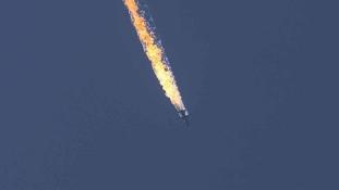 Putyin: az orosz gépet az Iszlám Állam olajszállítmányainak védelmében lőtték le
